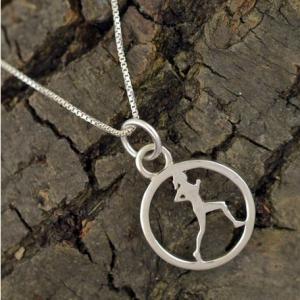women runners jewlery runner circle